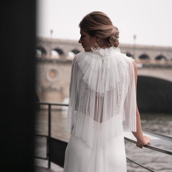 Col Hug en tulle pour robe de mariée romantique